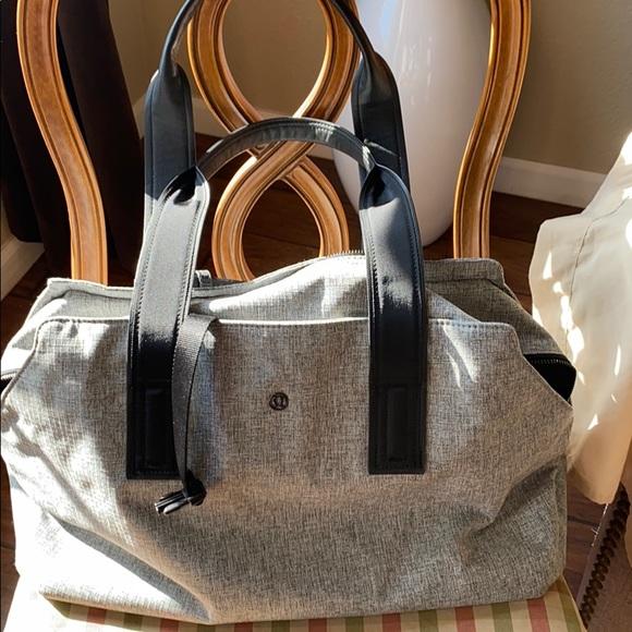 Lululemon gray yoga bag
